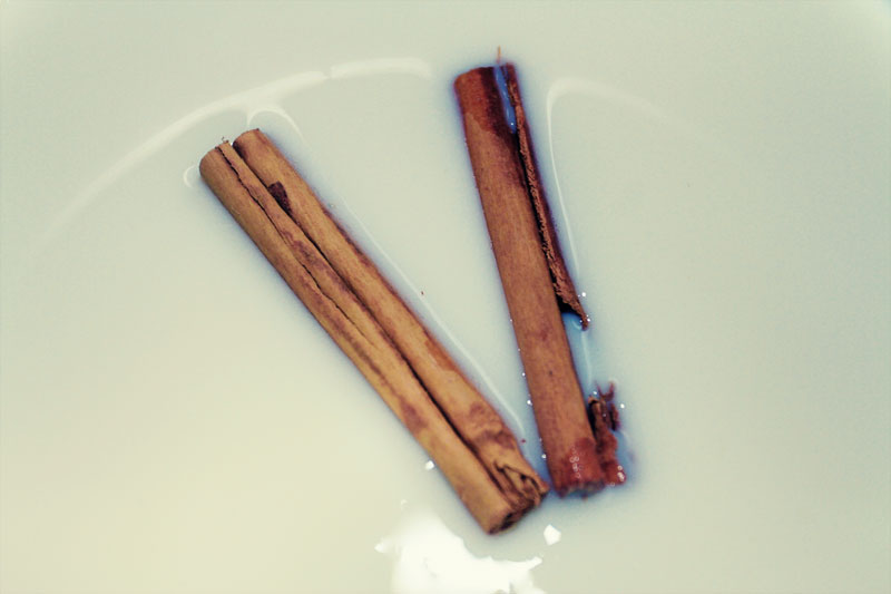 Cinnamon-Sticks-in-Milk